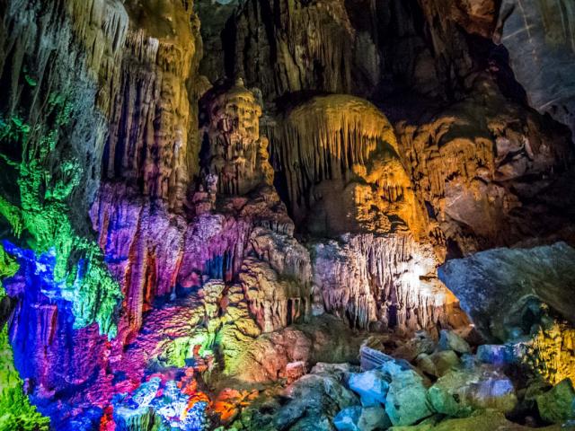 Phong Nha Cave1 1024x768 640x480 - HUE – PHONG NHA CAVE – HUE/ 01 DAY