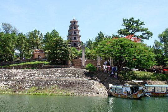 98 640x480 - CENTRAL VIETNAM HIGHLIGHTS TOUR PACKAGE/ 05 DAYS