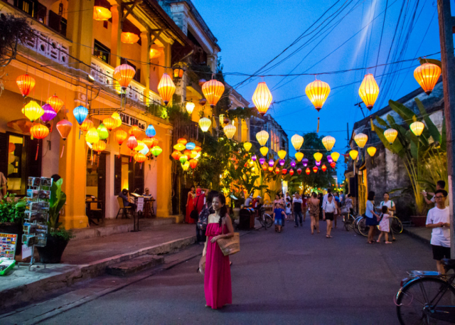 Hoi An 55dba59a6498d3 1024x731 640x480 - CENTRAL VIETNAM HIGHLIGHTS TOUR PACKAGE/ 07 DAYS