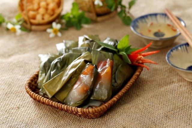 qiongru 205421015403 cac loai banh thong dung 1024x682 640x480 - HUE STREET FOOD TOUR