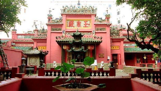 Emperor Jade Pagoda Chua Ngoc Hoang or Phuoc Hai Tu 620x35015db94e4315460 640x480 - HO CHI MINH CITY SHORE EXCURSIONS