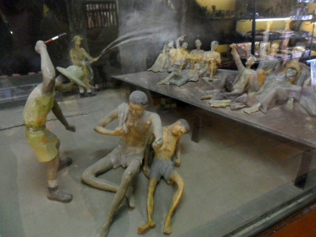 hooray models hoa lo prison hanoi hilton vietnam 640x480 - NORTH VIETNAM TOUR (07 DAYS)